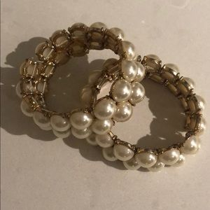 Jewelry - Gold and pearl bracelets